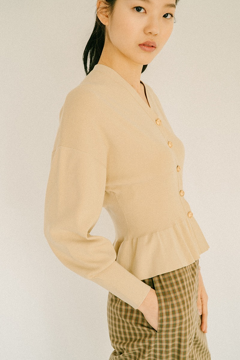 LIGHT BEIGE STRETCH-KNIT CARDIGAN