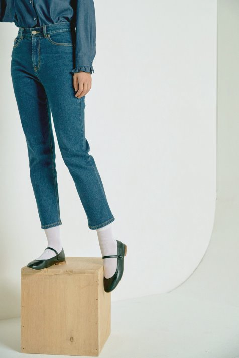 DEEP BLUE BASIC STRAIGHT DENIM PANTS