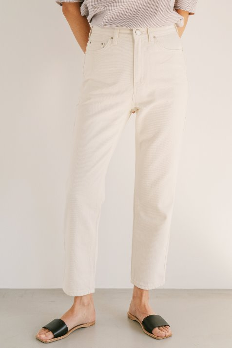 ECRU BASIC STRAIGHT JEANS