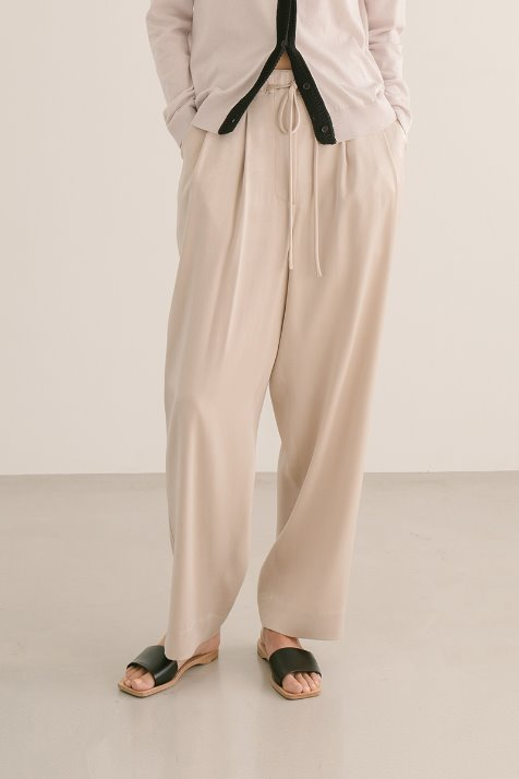 PALE BEIGE STRING LOOSE FIT PANTS